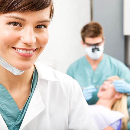 Curso Superior Universitario de Auxiliar de Dentista